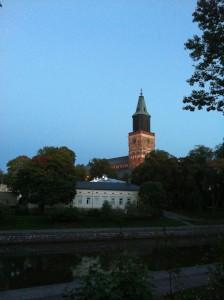 Turku illalla.