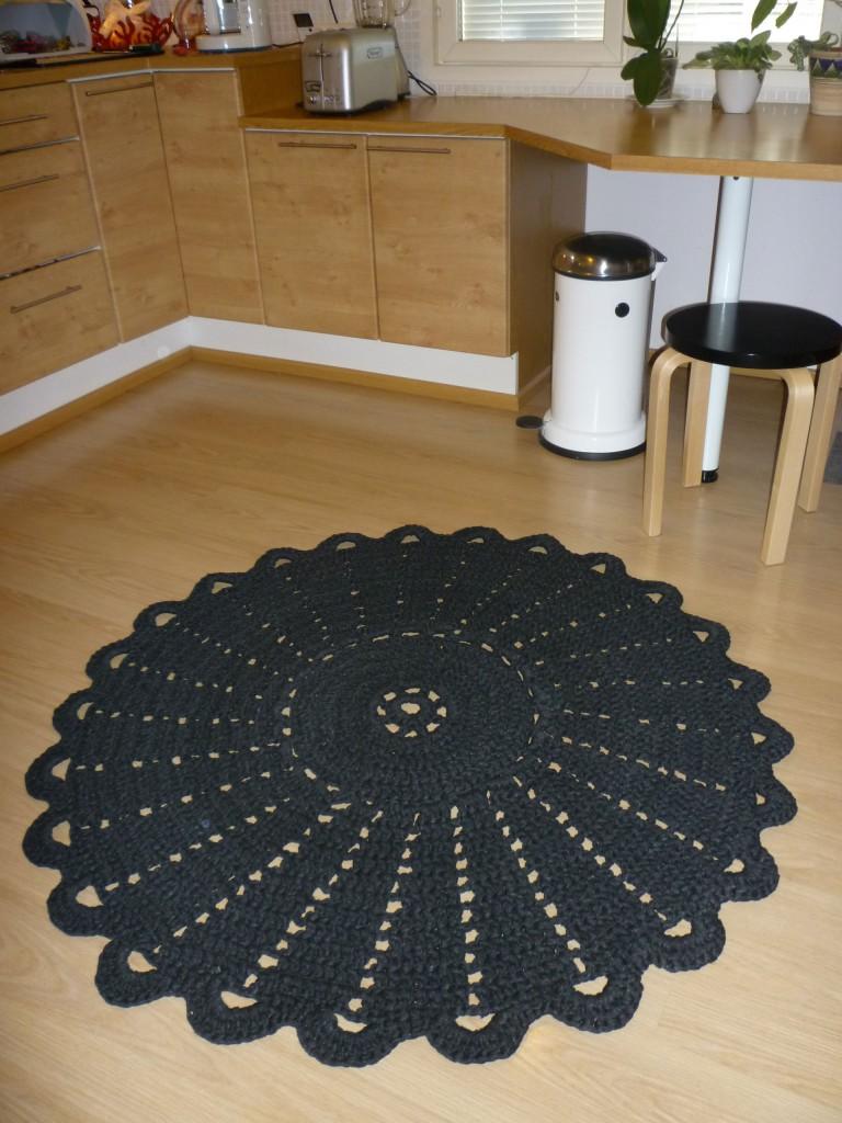 Uusi keittiön matto